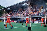Den Bosch  - Thierry Brinkman (Ned) , Arjen Lodewijks (Ned) en Lars Balk (Ned)   betreden  het veld voor   de Pro League hockeywedstrijd heren, Nederland-Belgie (4-3).    COPYRIGHT KOEN SUYK