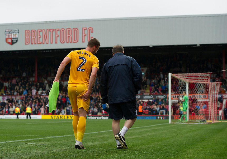 Preston North End's Marnick Vermijl leaves the pitch in the 2nd half with an injury<br /> <br /> Photographer Ashley Western/CameraSport<br /> <br /> The EFL Sky Bet Championship - Brentford v Preston North End - Saturday 17 September 2016 - Griffin Park - London<br /> <br /> World Copyright &copy; 2016 CameraSport. All rights reserved. 43 Linden Ave. Countesthorpe. Leicester. England. LE8 5PG - Tel: +44 (0) 116 277 4147 - admin@camerasport.com - www.camerasport.com