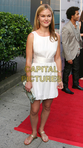 "JULIA STILES .New York Screening of ""Inglourious Basterds"" held at the SVA Theatre, New York, NY, USA, .August 17th 2009..full length white sleeveless dress gold sandals green patterned clutch bag .CAP/LNC/TOM.©LNC/Capital Pictures."