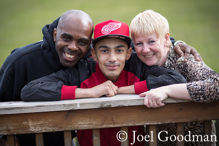 © Joel Goodman - 07973 332324 . 3 May 2013 . L-R dad Martin Solomon (senior, 49), Martin Solomon (junior, 20), mum Paula Solomon (48) . Martin Solomon (20 , correct) was diagnosed with Hodgkin's Lymphoma but , after successful treatment , has made a recovery and is now looking forward to returning to University . Photo credit : Joel Goodman