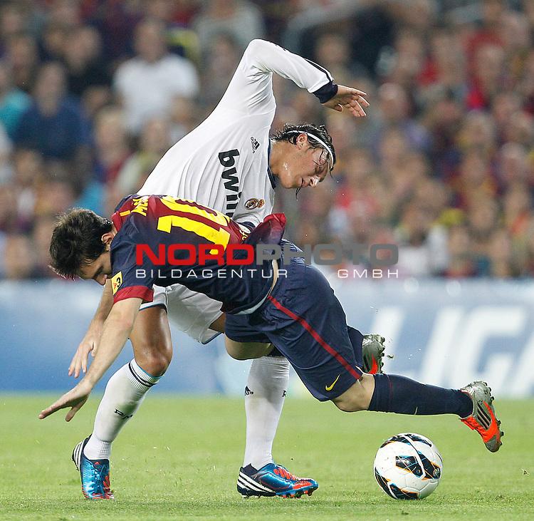 07.10.2012, Camp Nou, Spanien, Primera División, FC Barcelona vs Real Madrid im Bild  Barcelona's Lionel Messi and Real Madrid's Mesut Ozil during la Liga match on october 7th 2012.  Foto © nph / Cesar Cebola *** Local Caption ***
