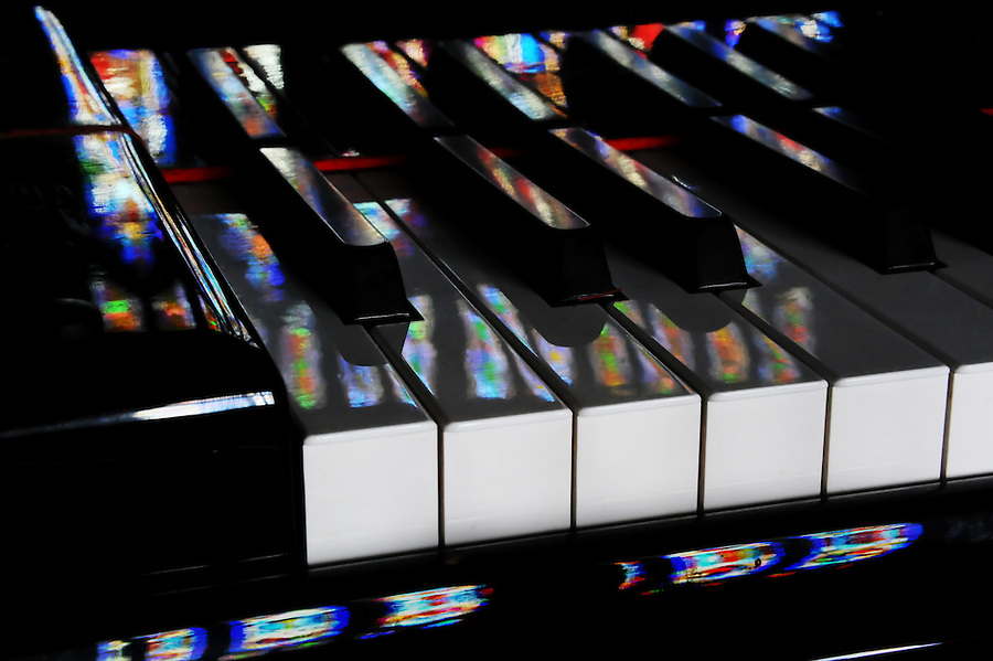 lower highlight in curves BP darker fair amount to fill in color 20110220stainedglass piano wp darker up 20 pc contest