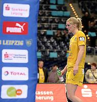 EHF Champions League Handball Damen / Frauen / Women - HC Leipzig HCL : SD Itxako Estella (spain) - Arena Leipzig - Gruppenphase Champions League - im Bild: Geht in sich - Sara Eriksson bei der Fehlersuche. Foto: Norman Rembarz .