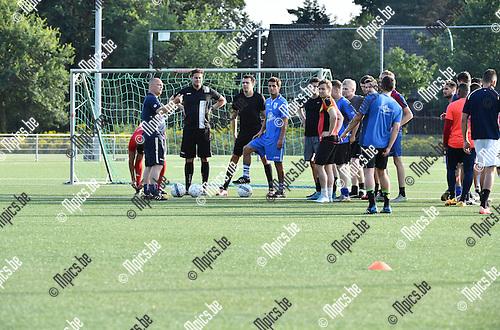 2016-07-25 / Voetbal / Seizoen 2016-2017 / Eerste training White Star Schorvoort / Werner Eykens (l.) leidt de trainingen totdat Bart Willemsen terug is uit het buitenland.<br /> <br /> Foto: Mpics.be