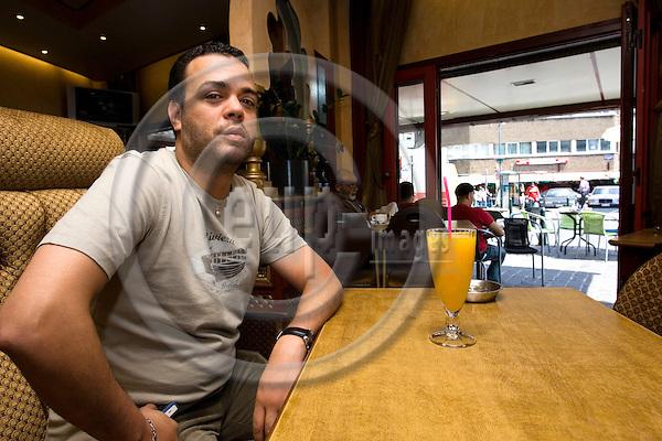 BRUSSELS - BELGIUM - 13 JUNE 2007 -- Akanni BOEJAMAA lives in Anderlecht, the Arab quarter of Brussels. -- PHOTO: JUHA ROININEN / EUP-IMAGES