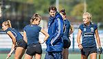 UTRECHT  - training dames I van Kampong, voor het begin van de hoofdklassecompetitie. assistent-coach Pieter Bos (Kampong)   COPYRIGHT  KOEN SUYK,