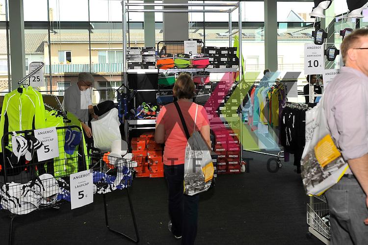SAP Arena Marathon Mannheim 2015<br /> <br /> Foto &copy; P-I-X.org *** Foto ist honorarpflichtig! *** Auf Anfrage in hoeherer Qualitaet/Aufloesung. Belegexemplar erbeten. Veroeffentlichung ausschliesslich fuer journalistisch-publizistische Zwecke. For editorial use only.