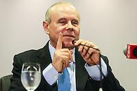 SAO PAULO, SP, 30.05.2014 - MINISTRO GUIDO MANTEGA - O ministro da Fazenda Guido Mantega comenta o resultado do Produto Interno Bruto (PIB), no Gabinete ministerial em São Paulo nesta sexta-feira na região da avenida Paulista região central da cidade de Sao Paulo. (Foto: William Volcov/ Brazil Photo Press).
