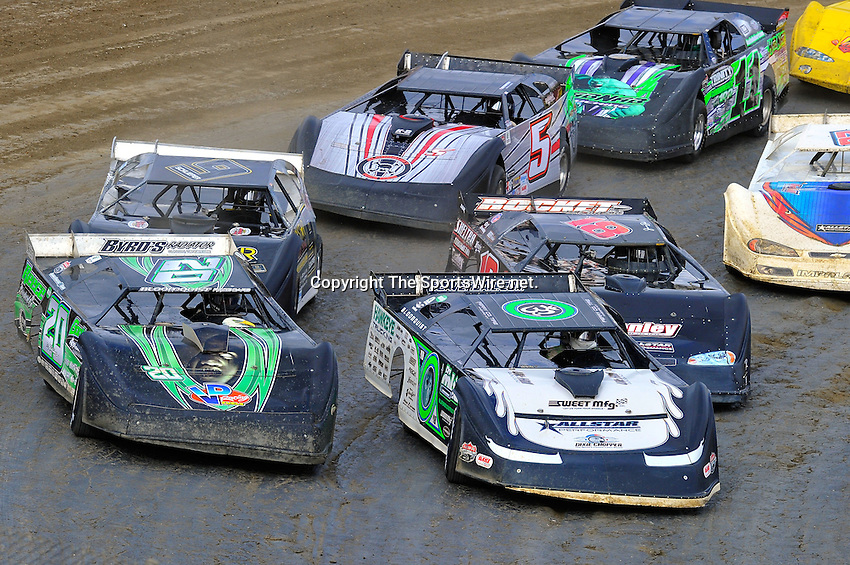Feb 06, 2010; 3:42:20 PM; Gibsonton, FL., USA; The Lucas Oil Dirt Late Model Racing Series running The 34th Annual Dart WinterNationals at East Bay Raceway Park.  Mandatory Credit: (thesportswire.net)