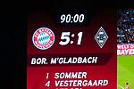 14.04.2018, Allianz Arena, Muenchen, GER, 1.FBL,  FC Bayern Muenchen vs. Borussia Moenchengladbach, im Bild  Endstand auf der Anzeigetafel 5-1<br /> <br />  Foto &copy; nordphoto / Straubmeier