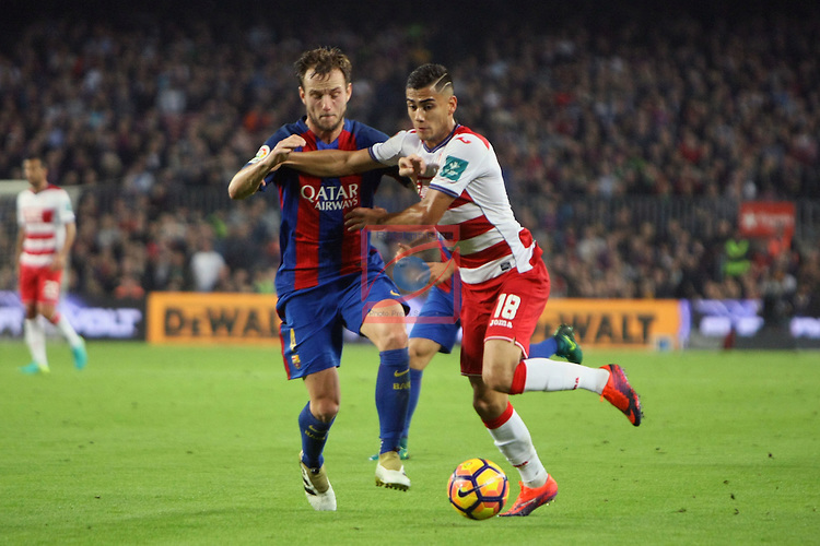 League Santander 2016/2017. Game: 10.<br /> FC Barcelona vs Granada CF: 1-0.<br /> Ivan Rakitic vs Andreas Pereira.