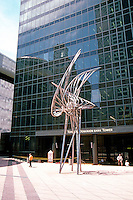 Vancouver: Toronto Dominion Tower, desogned by Cesar Pelli, 1969-71. Sculpture by George Norris, 1974. Part of Pacific Centre. Photo '86.
