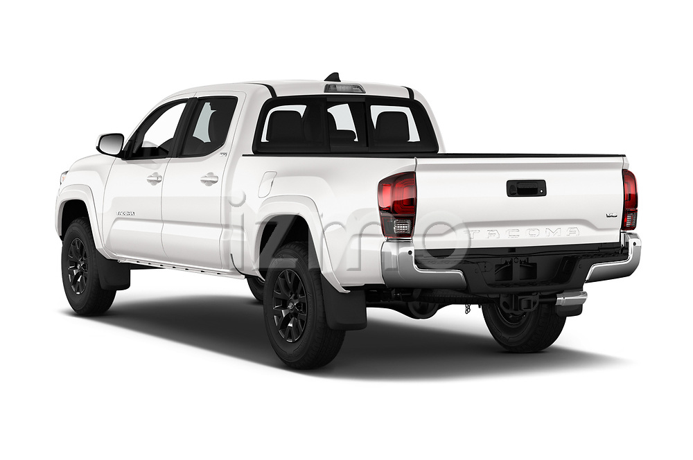 Car pictures of rear three quarter view of a 2020 Toyota Tacoma SR5 4 Door Pick Up angular rear