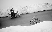 First rider up the snow-covered Colle dell'Agnello (2744m) is veteran Michele Scarponi (ITA/Astana) and thus 'winner' of the Cima Coppi; the 1st rider to cross the highest peak in the Giro.<br /> <br /> stage 19: Pinerolo(IT) - Risoul(FR) 162km<br /> 99th Giro d'Italia 2016