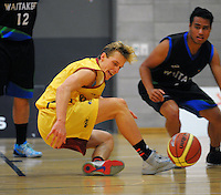 Rhys Smolenski in action during the National Basketball Championships tournament match between Southland and Waitakere West at Te Rauparaha Arena, Wellington, New Zealand on Friday, 14 November 2014. Photo: Dave Lintott / lintottphoto.co.nz