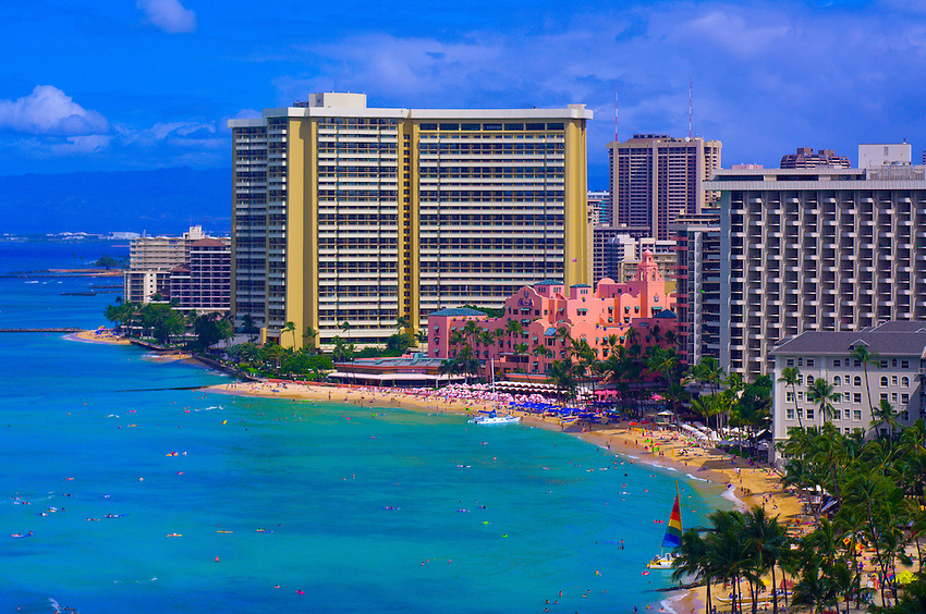 Overview Of Waikiki Beach Royal Hawaiian Hotel And Sheraton - Sheraton hawaii
