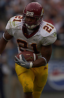 27 September 2003:  Marion Barber III, Minnesota RB, runs for some of his 138 yards against Penn State.  Minnesota defeated Penn State 20-14  at Beaver Stadium in State College, PA.<br />