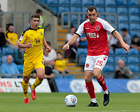 Fleetwood Town's Dean Marney in action<br /> <br /> Photographer David Shipman/CameraSport<br /> <br /> The EFL Sky Bet League One - Oxford United v Fleetwood Town - Saturday August 11th 2018 - Kassam Stadium - Oxford<br /> <br /> World Copyright &copy; 2018 CameraSport. All rights reserved. 43 Linden Ave. Countesthorpe. Leicester. England. LE8 5PG - Tel: +44 (0) 116 277 4147 - admin@camerasport.com - www.camerasport.com