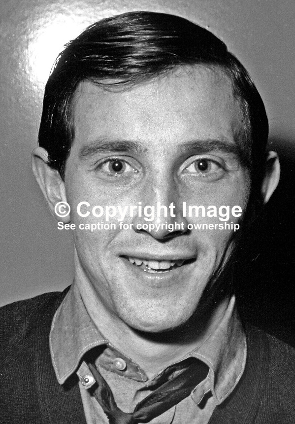Billy McCamley, footballer, Linfield FC, Belfast, N Ireland, 196612000063<br />