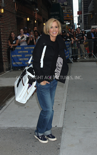 WWW.ACEPIXS.COM . . . . . ....September 28 2009, New York City....Felicty Huffman made an appearance at the 'Late Show with David Letterman' on September 28 2009 in New York City....Please byline: AJ SOKALNER - ACEPIXS.COM.. . . . . . ..Ace Pictures, Inc:  ..(212) 243-8787 or (646) 679 0430..e-mail: picturedesk@acepixs.com..web: http://www.acepixs.com