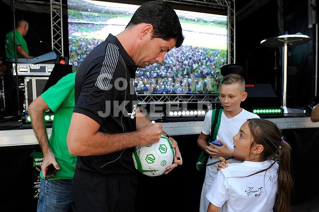 GRONINGEN - Voetbal, Open dag FC Groningen, Euroborg, seizoen 2014-2015, 02-08-2014,  FC Groningen trainer Erwin van der Looi