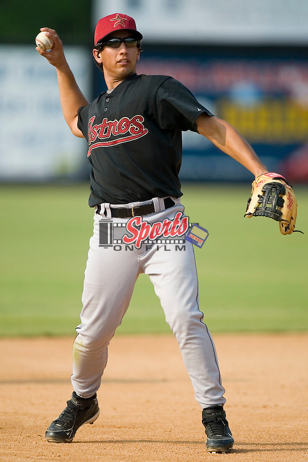 Greeneville Astros third baseman Amadeo Zazueta during infield practice prior to taking on the Danville Braves at American Legion Field in Danville, VA, Saturday, July 1, 2006.
