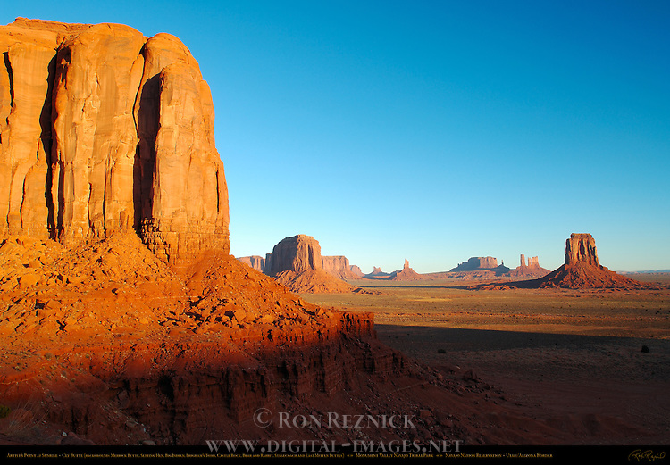Cly Butte and Artist's Point at Sunrise, Monument Valley Navajo Tribal Park, Navajo Nation Reservation, Utah/Arizona Border