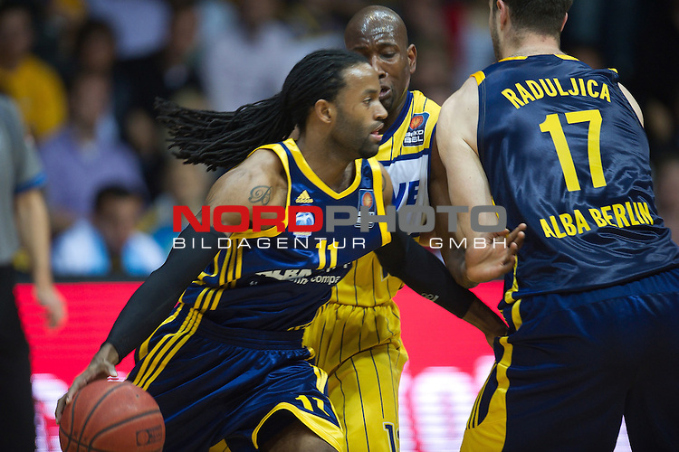 04.05.2011, EWE Arena, Oldenburg, GER, 1.BBL, Play Off Second PLAY, EWE Baskets Oldenurg vs Alba Berlin  im Bild  Julius Price (Berlin #11)<br />  Foto &copy; nph / Kokenge