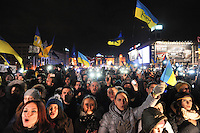 "The evening before summit in Vilnus. Crowd is cheering ""Sign, sign!"" Thousands of people are continuing to express their support to european integration and protesting against decision of Ukrainian government to refuse signing of association with EU in Vilnius."