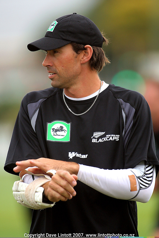 Stephen Fleming prepares to bat during the Black Caps nets practice in the build-up for the National Bank Test Match Series second test between New Zealand Black Caps and England at the Allied Prime Basin Reserve,Wellington, New Zealand on Tuesday, 11 March 2008. Photo: Dave Lintott / lintottphoto.co.nz
