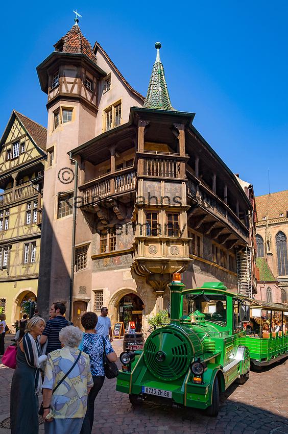 France, Alsace, Haut-Rhin, Colmar: House Pfister (built 1537 by a rich hatter), city tours by train | Frankreich, Elsass, Haut-Rhin, Colmar: Haus Pfister (erbaut 1537 fuer einen reichen Hutmacher), Stadtrundfahrt mit der Bimmelbahn