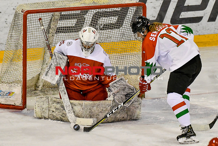03.01.2020, BLZ Arena, Füssen / Fuessen, GER, IIHF Ice Hockey U18 Women's World Championship DIV I Group A, <br /> Daenemark (DEN) vs Ungarn (HUN), <br /> im Bild Emma-Sofie Nordstrom (DEN, #25) rettet gegen Mira Seregely (HUN, #17)<br /> <br /> Foto © nordphoto / Hafner