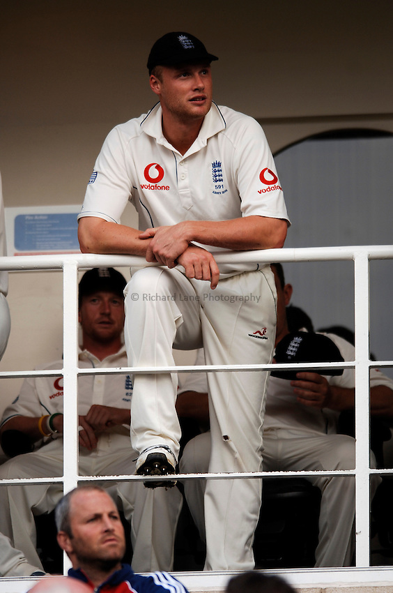 Photo: Glyn Thomas..England v Australia. nPower Test Series. The Ashes 2005..12/09/2005..England's Andrew Flintoff looks out as he awaits the match to be abandoned as a draw, leaving England 2-1 series winners.