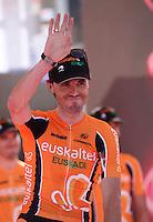 Spanish  cyclist Samuel sanchez  of the Euskatel Euskadi  Team  attends his team's presentation for the 96th Giro d'Italia cycling tour at Piazza del Plebiscito in Naples                                                                                                             NAPOLI 03/05/2013 PRESENTAZIONE DEI CORRIDORI DEL 96° GIRO D'ITALIA.NELLA FOTO .FOTO CIRO DE LUCA