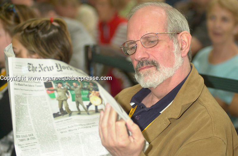 Aug23 2002, Montreal, Quebec, Canada<br /> <br /> American Film Maker Brian De Palma, sits Incognito,in the audience, at a press conference for the World Film Festival, Aug 23,  2002, in  Montreal, Quebec, Canada<br /> <br /> Each year De Palma, joins the general public to watch movies from all over the world. The 26th World Film Festival runs from August 22 to Sept 2, 2002<br /> <br /> <br /> Mandatory Credit: Photo by Pierre Roussel- Images Distribution. (&copy;) Copyright 2002 by Pierre Roussel <br /> <br /> NOTE : <br />  Nikon D-1 jpeg opened with Qimage icc profile, saved in Adobe 1998 RGB<br /> .Uncompressed  Uncropped  Original  size  file availble on request.