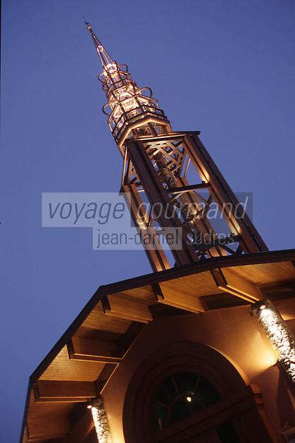 Europe/France/Rhône-Alpes/73/Savoie/Vallée de Belleville/les Menuires: Vue de nuit clocher de l'église de la station