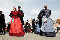 Westfriese Folkloredagen in  Schagen. Sinds 1953 organiseert de Stichting ter Bevordering van de West-Friese Folklore de 10 West-Friese donderdagen. Deze donderdagen staan in het teken van o.a. leven, werken en kleden anno 1910.