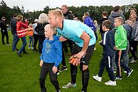 ROLDE - Voetbal, FC Groningen - FC Emmen, voorbereiding seizoen 2019-2020, 16-07-2019,  op de foto met FC Emmen doelman Dennis Telgenkamp