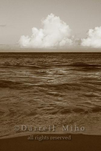 Feb. 17, 2006; Waimea, Oahu, HI - Waves break at Waimea Bay on the north shore of Oahu...Photo Credit: Darrell Miho.© Darrell Miho