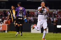 SÃO PAULO, SP, 28 DE FEVEREIRO DE 2013 - TAÇA LIBERTADORES DA AMÉRICA - SÃO PAULO x THE STRONGEST: Luis Fabiano (d) durante partida São Paulo x The Strongest, válida pela 2ª rodada do grupo 3 da Taça Libertadores da América de 2013, disputada no estádio do Morumbi em São Paulo. FOTO: LEVI BIANCO - BRAZIL PHOTO PRESS