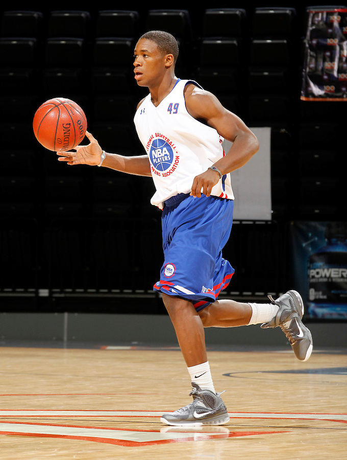 Demetrius Jackson participates in a basketball camp in Charlottesville, Va. (Photo/Andrew Shurtleff)