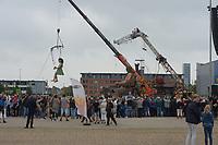 CULTUUR: LEEUWARDEN: Reuzen Royal De Luxe, ©foto Martin de Jong