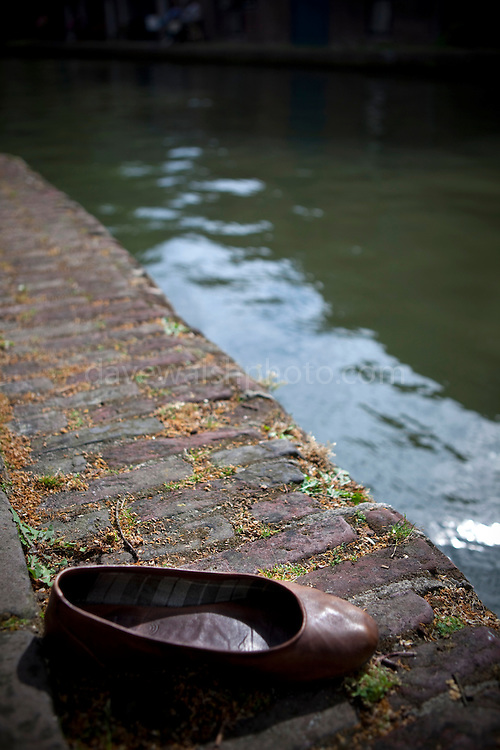 Shoe by the Catharijnesingel Canal, Utrecht, Netherlands