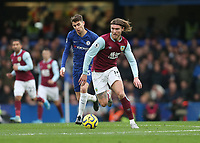 Burnley's Jeff Hendrick and Chelsea's Jorginho<br /> <br /> Photographer Rob Newell/CameraSport<br /> <br /> The Premier League - Chelsea v Burnley - Saturday 11th January 2020 - Stamford Bridge - London<br /> <br /> World Copyright © 2020 CameraSport. All rights reserved. 43 Linden Ave. Countesthorpe. Leicester. England. LE8 5PG - Tel: +44 (0) 116 277 4147 - admin@camerasport.com - www.camerasport.com