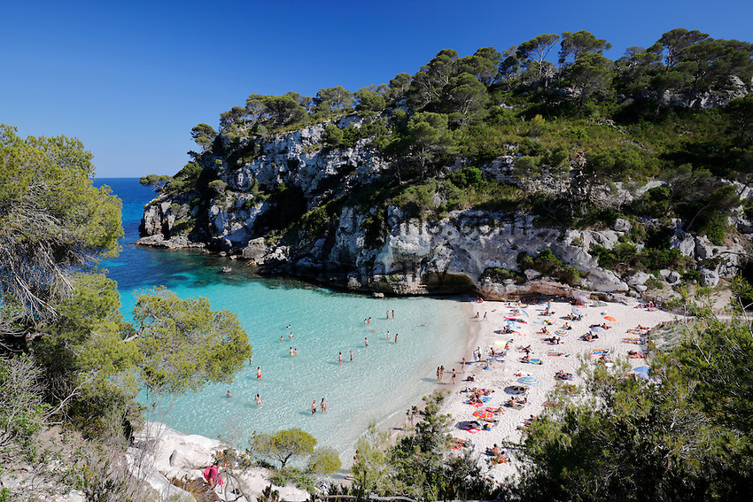 Spain, Menorca, near Cala Galdana: Cala Macarelleta | Spanien, Menorca, bei Cala Galdana: Cala Macarelleta