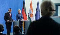 Berlin, 20130508CB028, Bundeskanzlerin Angela Merkel (CDU) und der Staatspräsident der Republik Niger, Mahamadou Issoufou, am Mittwoch (08.05.13) im Bundeskanzleramt in Berlin bei einer Pressebegegnung