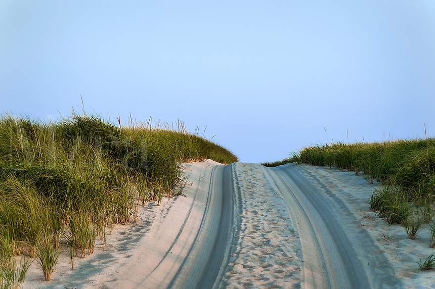 Sand beach road, Race Point Beach, Cape Cod National seashore, provincetown, Massachusetts, USA