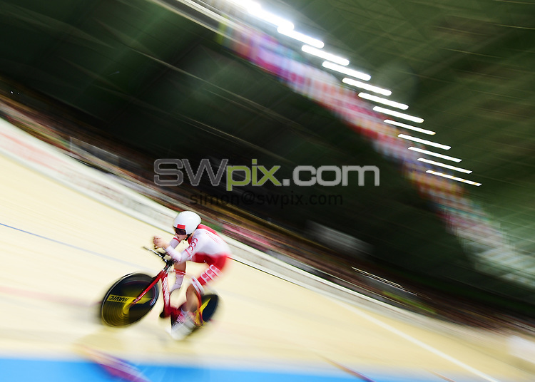 Picture by Alex Broadway/SWpix.com - 05/11/2017 - Cycling - Tissot UCI Track Cycling World Cup - BGZ Arena, Pruszkow, Poland - Justyna Kaczkowska of Poland on her way to winning the Women's Individual Pursuit Final.