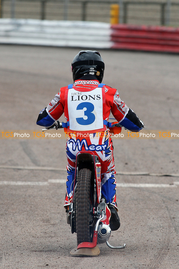 Robert Mear (3) rides during British Under-21 Speedway Championship Practice at Arena Essex Raceway, Purfleet -  16/04/10 - MANDATORY CREDIT: Gavin Ellis/TGSPHOTO - Self billing applies where appropriate - Tel: 0845 094 6026