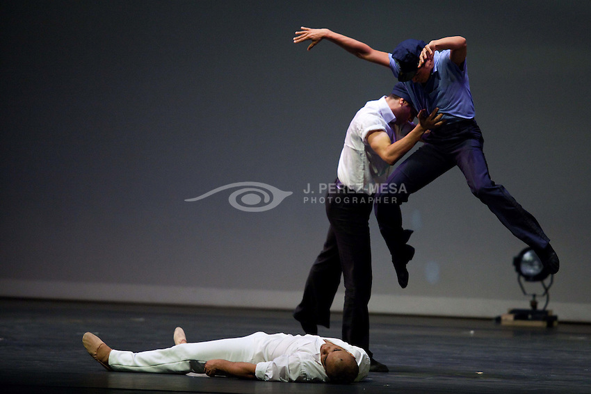 """El Arte de Morir"" (2010) choreographed by Rodney Rivera it's a piece dedicated to Jose A. Vega Jorge, who was a recent victim of crime and violence in Puerto Rico, Jose was a young athlete. Dancers: Andrea Vega, Daphne Velazquez, Eduardo Ortiz, Emanuel Rodriguez, Jose Rivera and Judith Lugo."